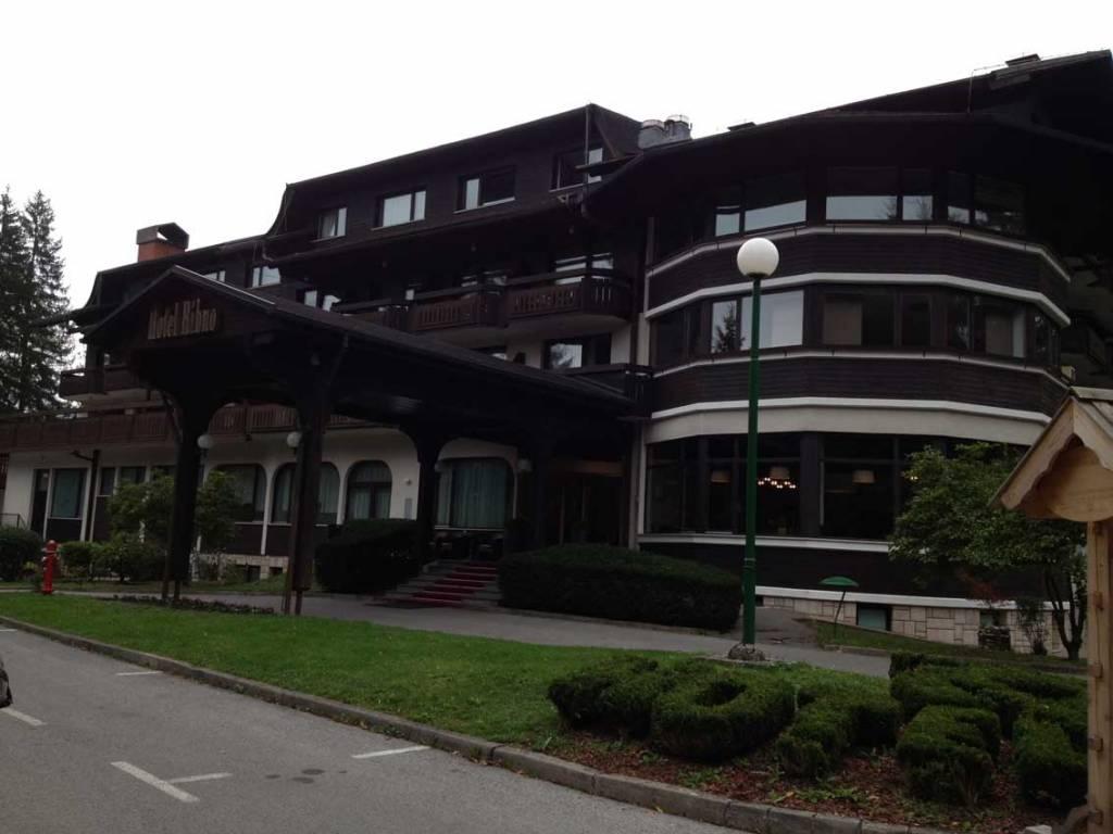 entrata-Hotel-Ribno-Bled.jpg