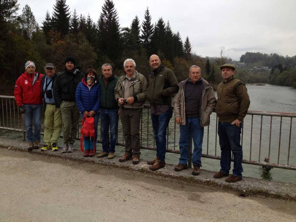 foto-di-gruppo-al-ponte-Ribno.jpg