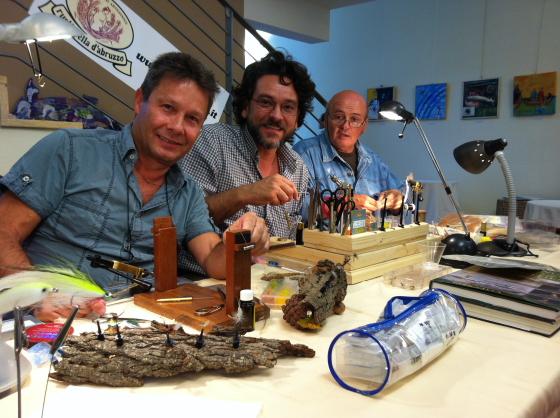Alcuni fly tiers della Scuola Italiana di Pesca a Mosca